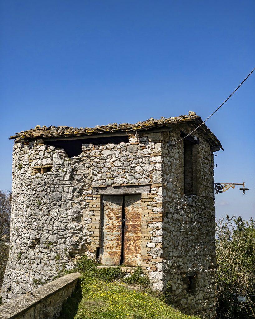 Fixer Upper, Capitone, Umbria